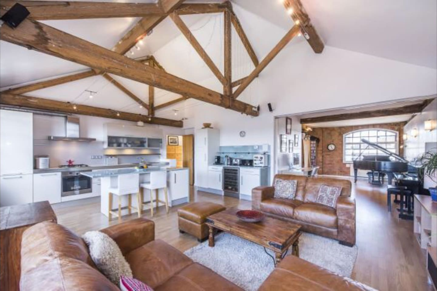 The Top    Lofts for Rent in London   Airbnb  England  United