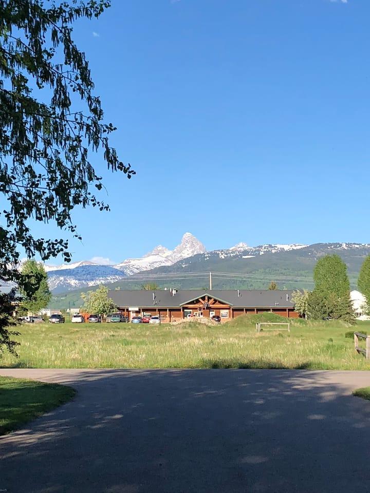 Teton View Getaway in Driggs: SLEEPS 30 IN BEDS!