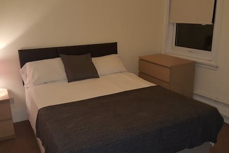 Comfortable Double Rooms in Centre of Weston - Weston-super-Mare
