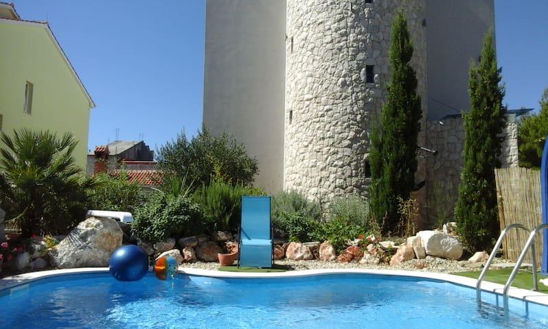 Elegante appartamento con piscina in giardino - Petrčane - Departamento