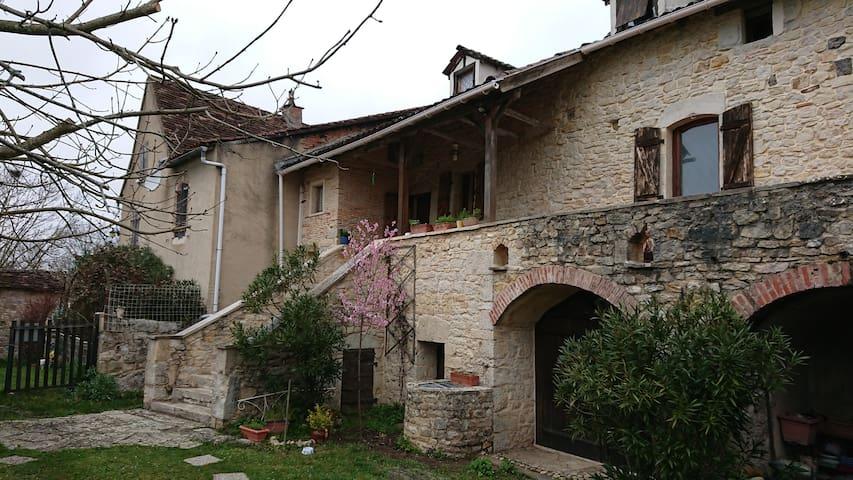 Lagarrigue à Boissières Chambre Côté Campagne
