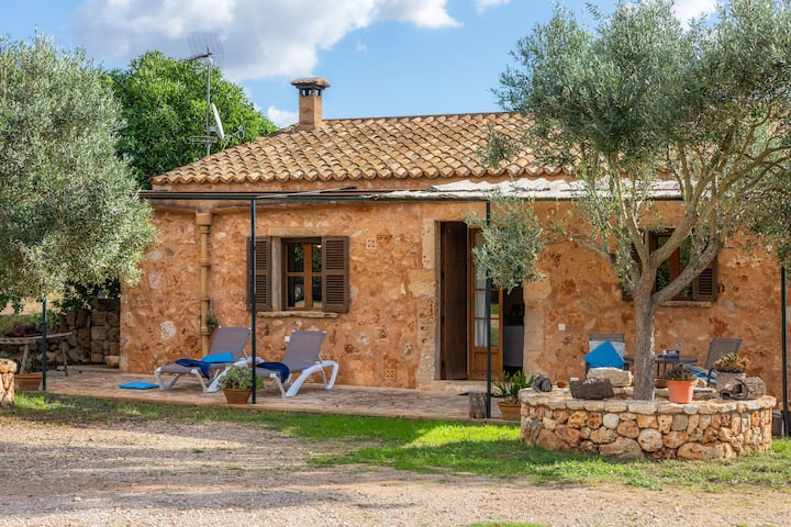 Perfect romantic hideaway surrounded by nature - Villa Son Salom