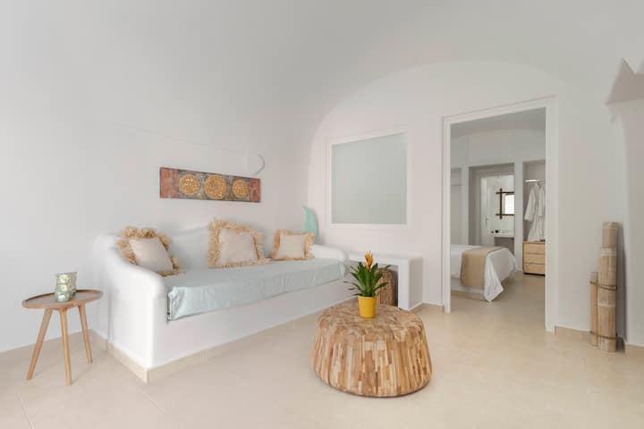 Villa with private veranda and outdoor jacuzzi