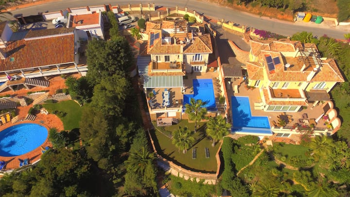 Stunning villa with private gym, pool and sauna