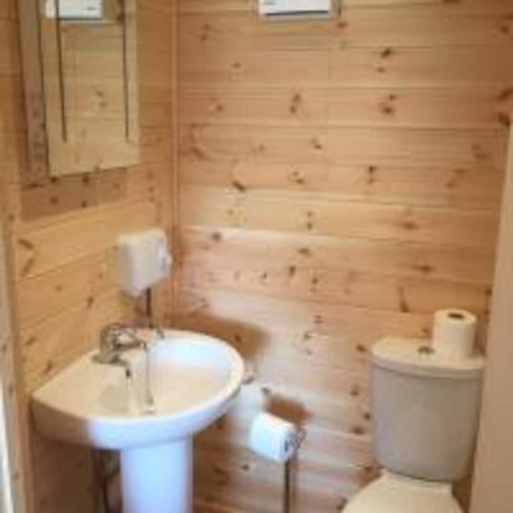 Romantic Getaway Luxury Wooden Cabin