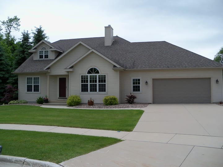 4 Bedroom, 3 Bath Home in Plymouth