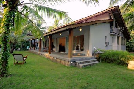 Gorgeous Private Getaway Home, Near Kashid Beach - Kashid