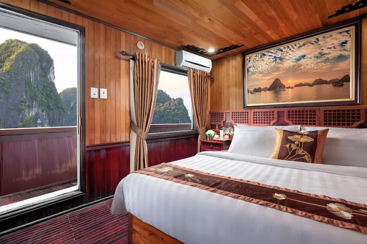 Cozy Bay Classic Cruise-Deluxe Double With SeaView