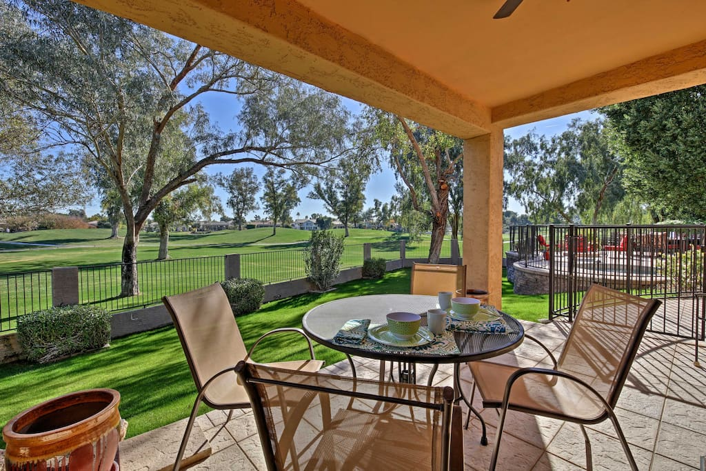 Dine al fresco under the covered patio with your fellow guests!