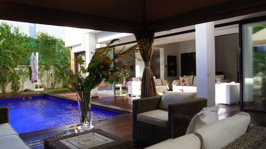Villa d'Architect avec piscine