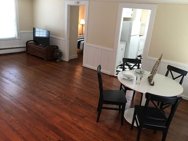 Gorgeous 1 bedroom in the heart of the Boro!