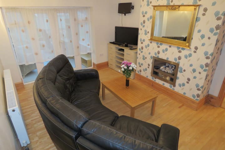 Private room by the NEC BHX airport - Solihull - Casa