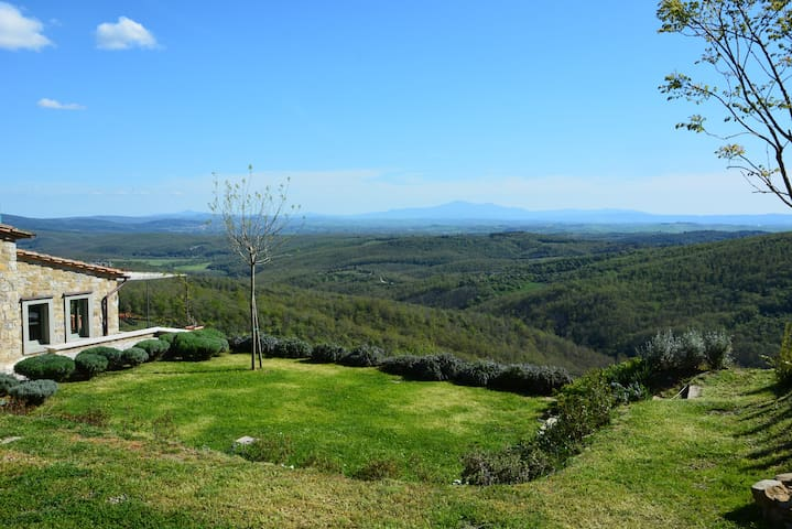 LE BALZE. LOVELY VIEW OF TUSCANY - Rosennano - Huis