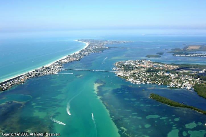 Anna Maria Island 1 BR Condo
