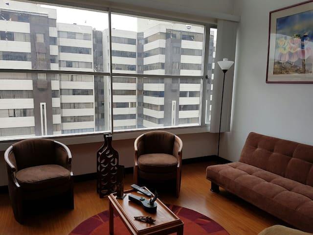 LOFT SUITE, GREAT LOCATION, ALL SERVICES - Quito - Apartamento
