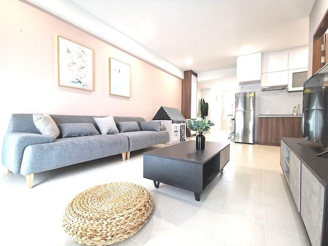 [304] 1BR Studio New Large Apartment Central MRT
