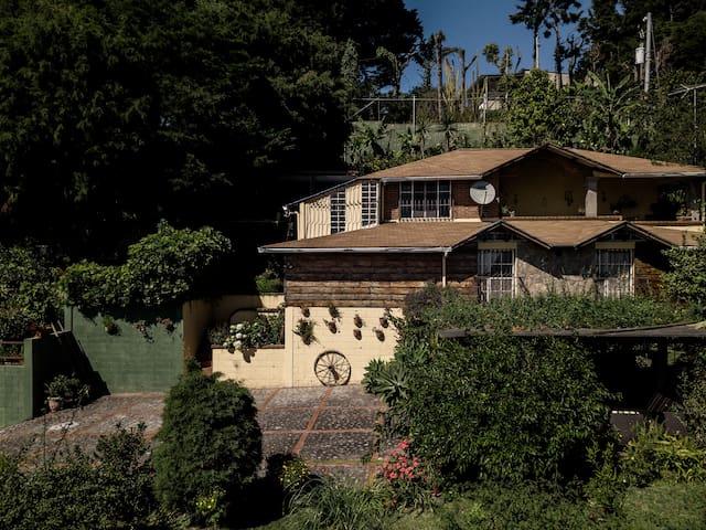 Espectacular casa de campo en Volcan San Salvador