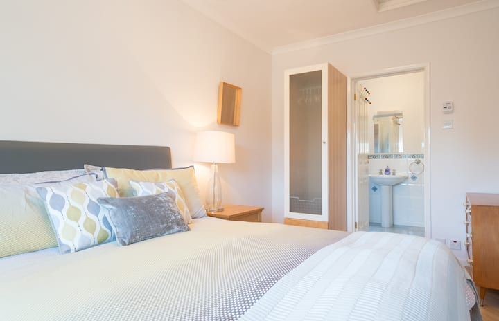Great location, spacious private facilities