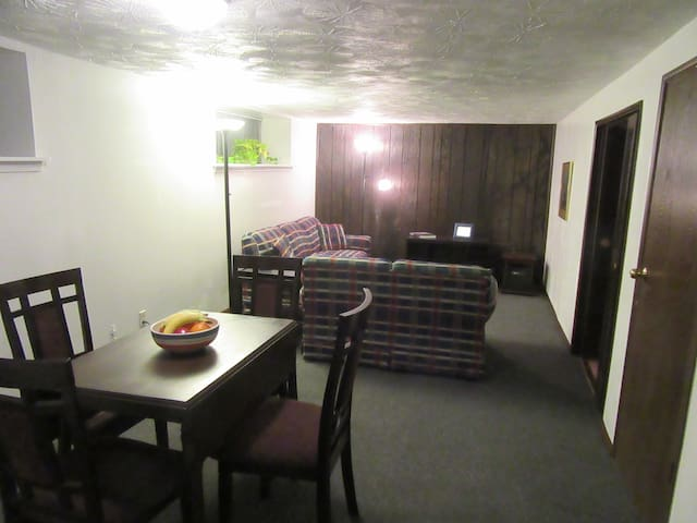 Prime Location! - Near Downtown Apartment