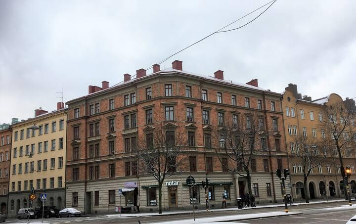 Prime location, D-Town Stockholm - 5 bed apartment