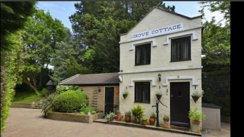 Quaint Cosy Cottage