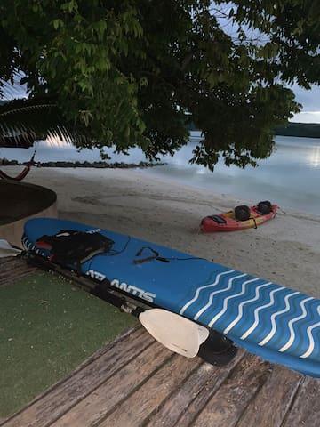 Santo Sunset 'Banya' Beach Bungalow on Surunda Bay