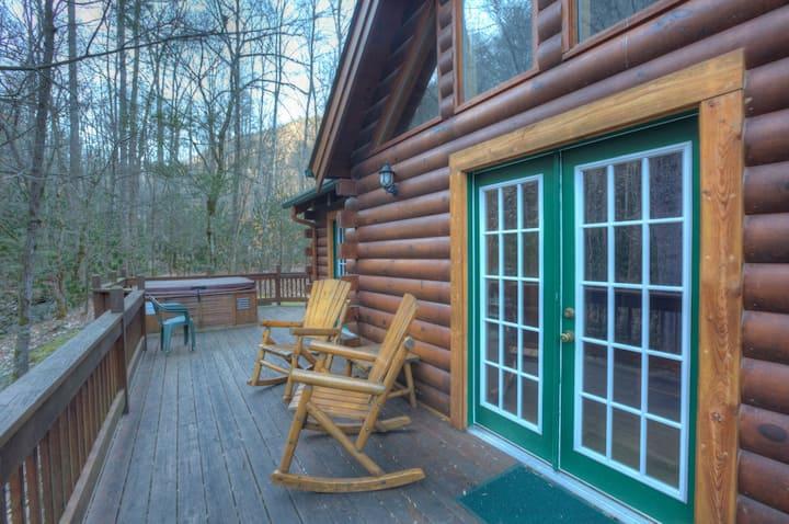 Collett Creek Cabin #4