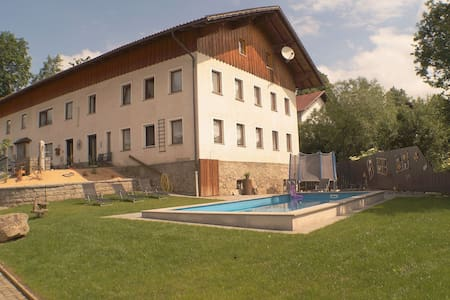 Increíble apartamento en Tresdorf con sauna