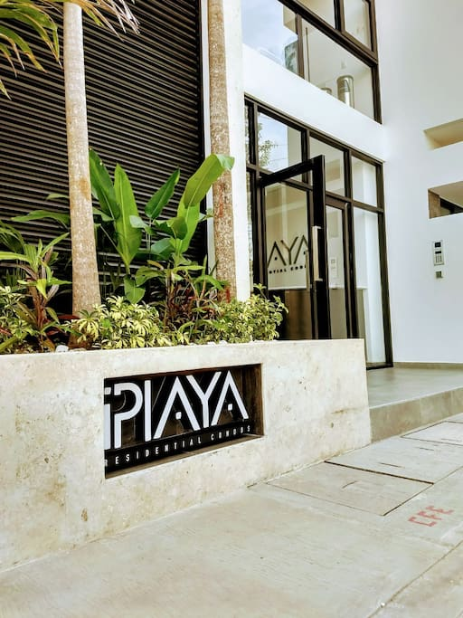 iPlaya entrance