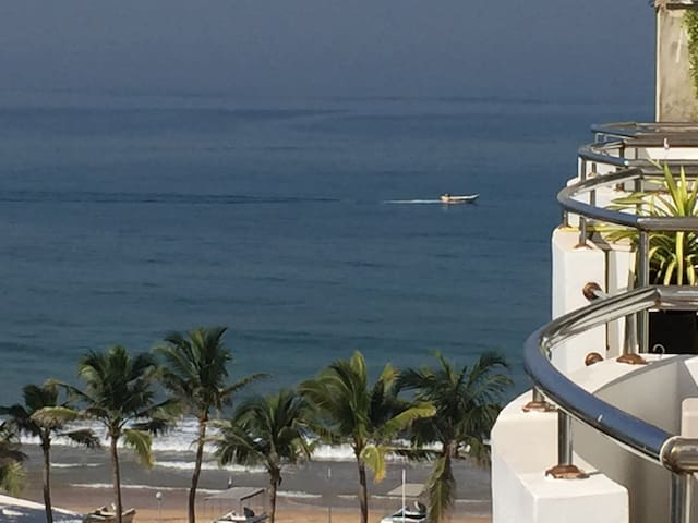Luxury beach front apartment Mount Lavinia - Dehiwala-Mount Lavinia - Apartment