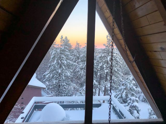 winter wonderland view from the loft bedroom:)