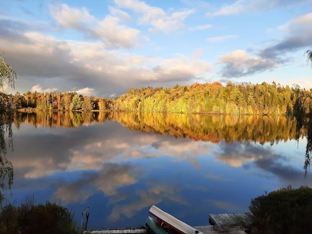 maison au bord du lac! désinfectée , paisible