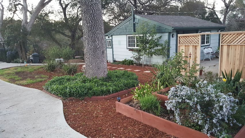 Guest House Getaway - Atascadero