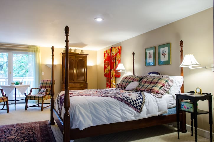 Luxury Suite - Special WINTER $65/SPRING $75 rates - Sandwich