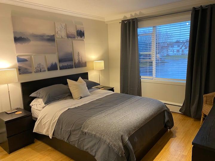 HAWKESBURY EXECUTIVE COZY CONDOMINIUM 3 BEDROOMS
