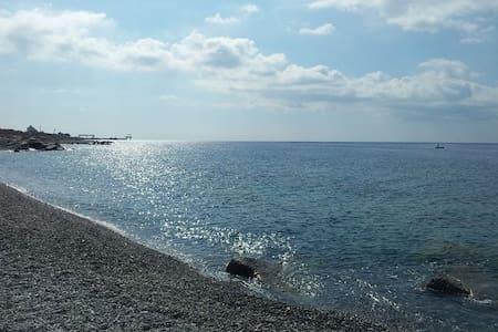 Dal sapore antico sul mare - Montebello Ionico - Appartement