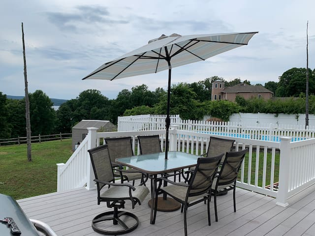Private rooms overlooking Connecticut River