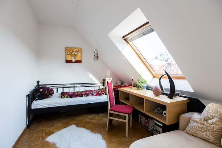 2 cozy rooms on the top floor for 1 or 2 people - Berlín - Pis