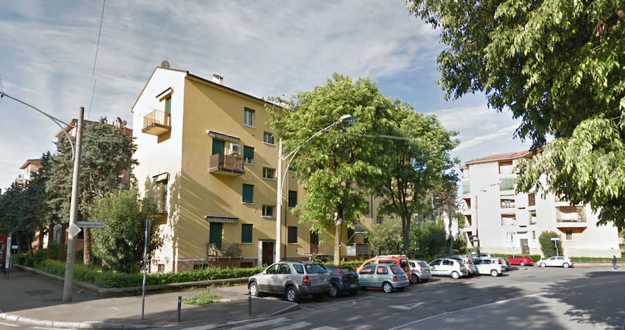 Little House in Bologna, San Donato Area - Bolonha - Apartamento