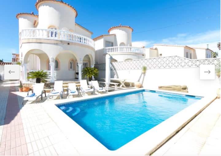 Villa confortable Empuriabrava - 4 chambres - 8 pe