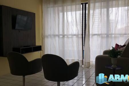 Apto 3 dormitórios no M. de Nassau - Ed. Tassiana 501