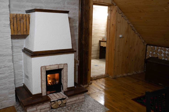 Cozy apartament traditional with fireplace.Margau