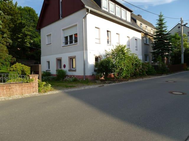 Sievilla,im Ortskern von Lengefeld - Pockau-Lengefeld - Apartemen