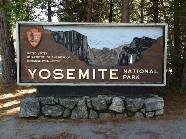 $65.00  SECIAL RATE / Yosemite & Bass Lake