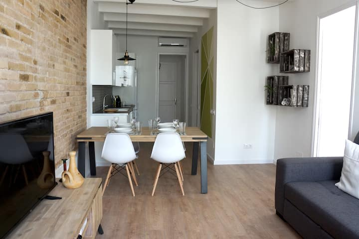 Barcelona Industrial Style Apartment