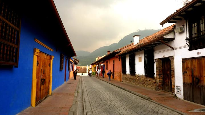 Nice space  in Candelaria with  view to Monserrate