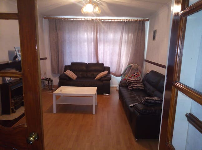 Big room in Great Sankey, Warrington
