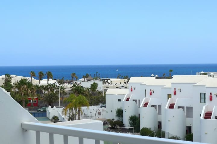 T614. Apartment in Costa Teguise.