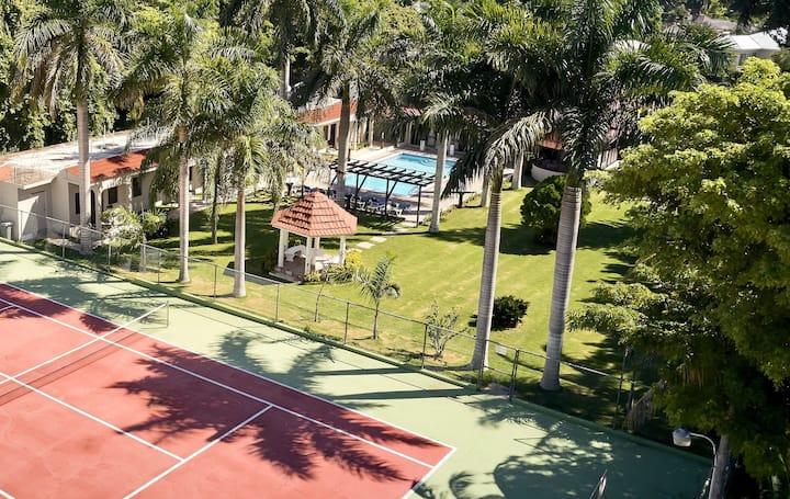 Jam Villa Resort