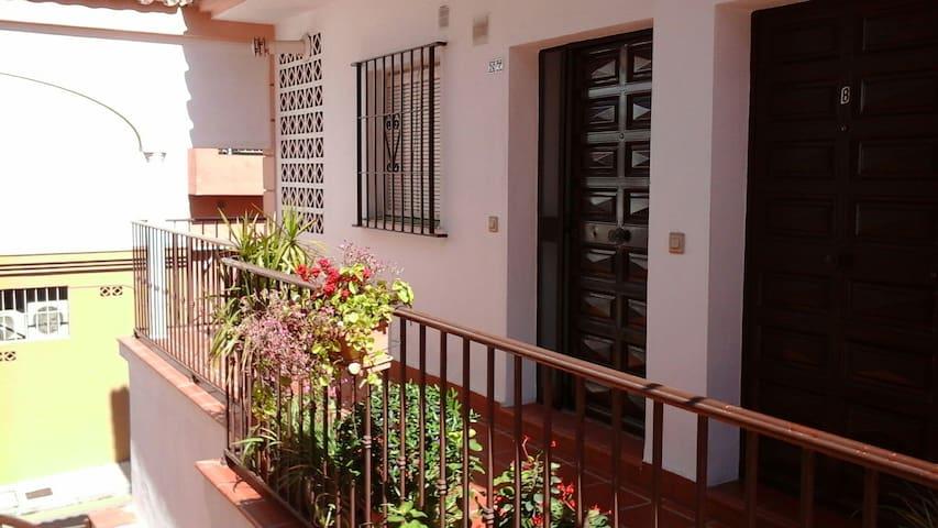 Dúplex en Costa del Sol - Las Lagunas. Mijas Costa - House